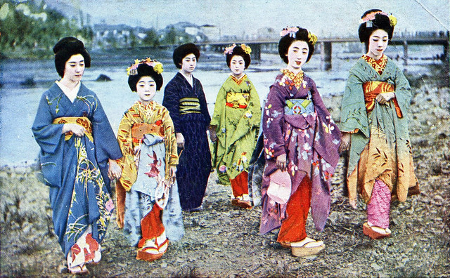 Geiko and Maiko Girls 1910s