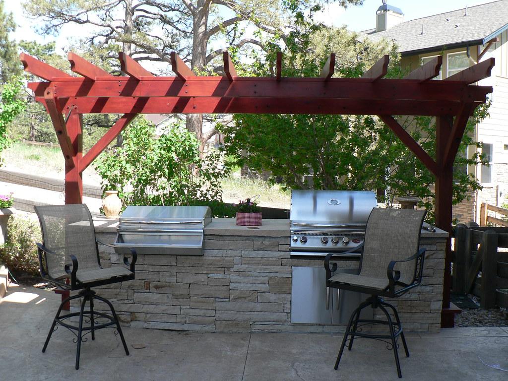 Small Redwood Pergola over Outdoor Kitchen | Small pergola
