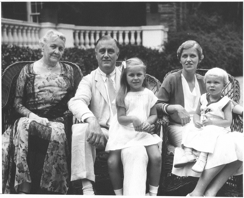 the early life education family and presidency of franklin delano roosevelt Early life family federal employees and reducing spending on research and education life and radical presidency of franklin delano roosevelt.