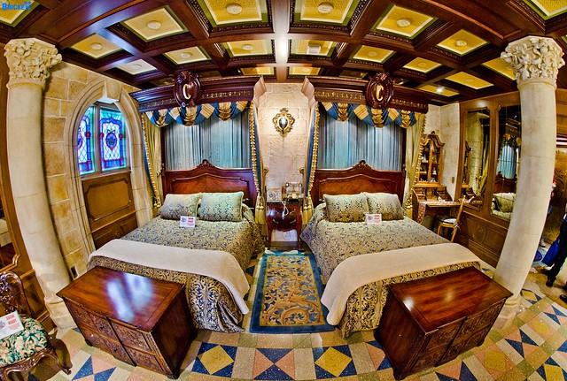 Disney S Cinderella Castle Royal Suite Bedroom Flickr