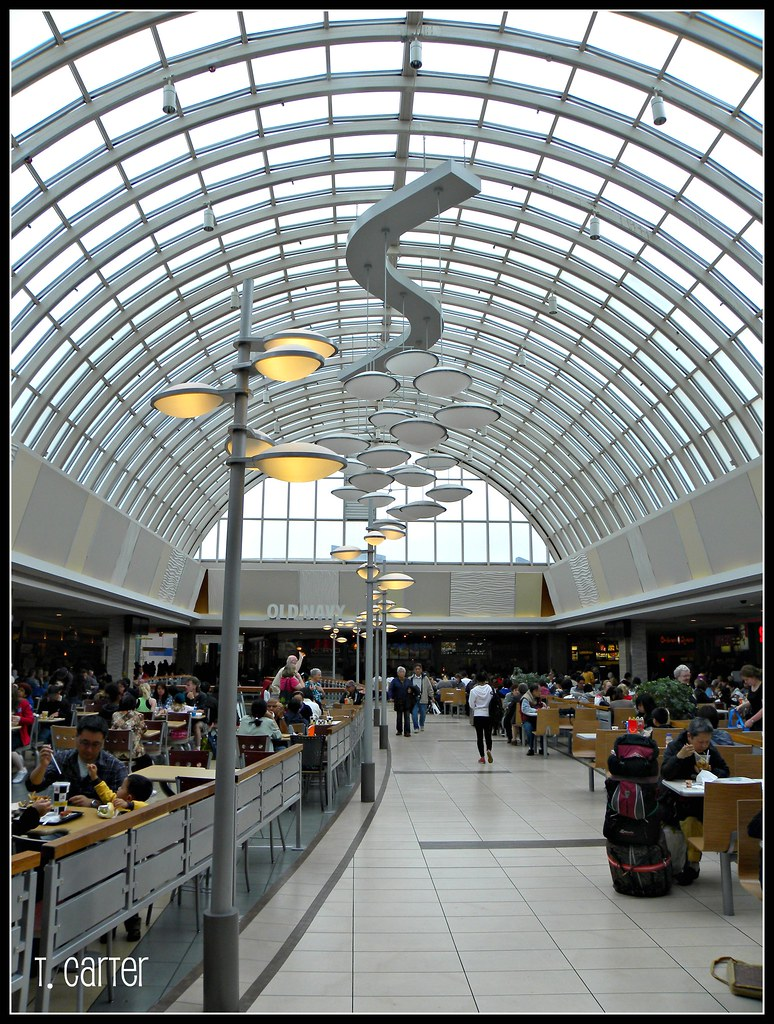 Scarborough Town Centre is the largest shopping centre in Toronto's east end, and your premier destination for fashion-forward shopping.