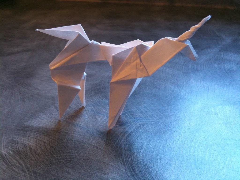 Blade Runner Origami Unicorn Pin: Blade Runner Unicorn Origami