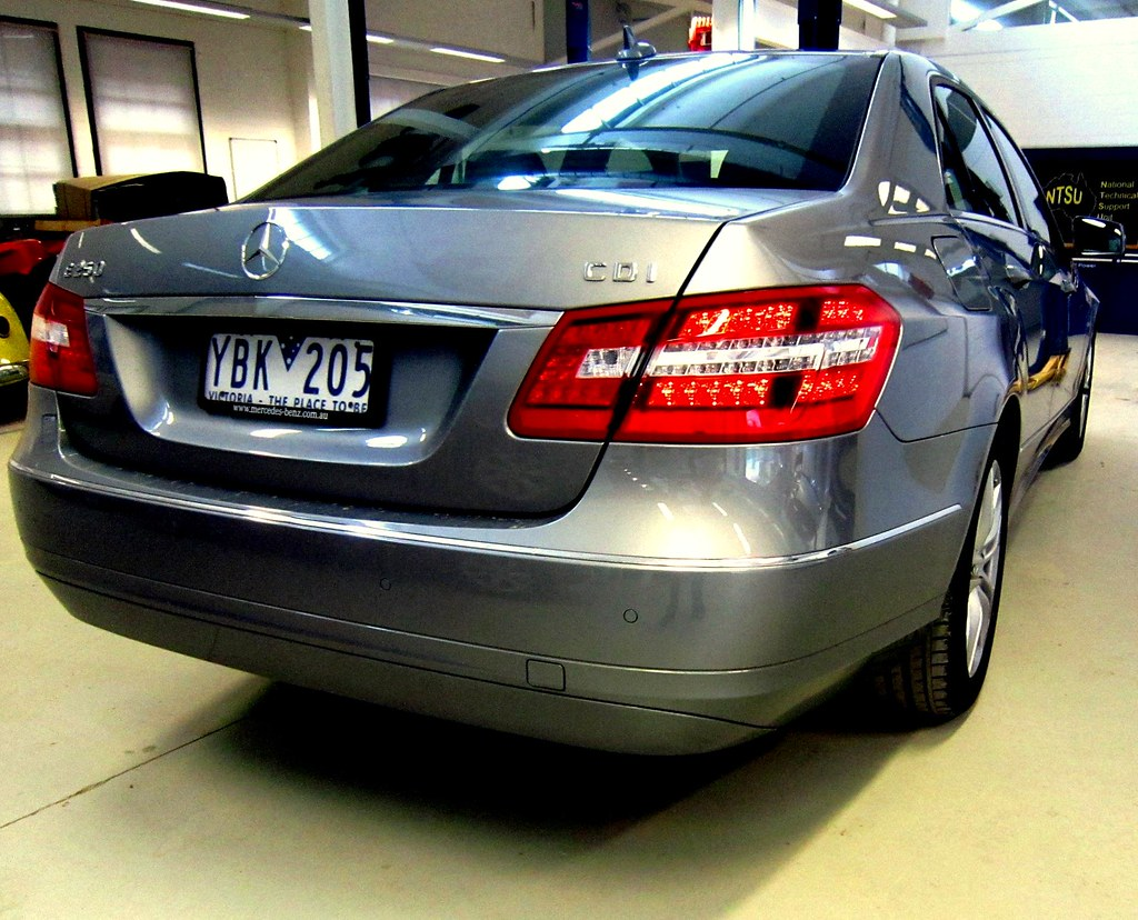 2011 e250 cdi mercedes benz nrma drivers seat takes a driv flickr. Black Bedroom Furniture Sets. Home Design Ideas