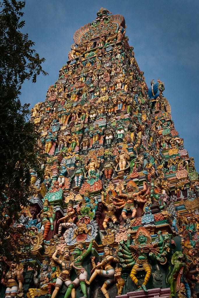 Madurai meenakshi amman temple india madurai meenakshi for Religious buildings in india