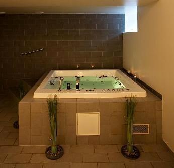 zen spa jacuzzi bath flickr photo sharing. Black Bedroom Furniture Sets. Home Design Ideas