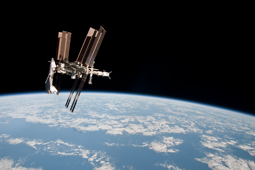 int space station fly over - photo #26