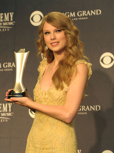 Taylor Swift em ACM | by SrtTaySwift13