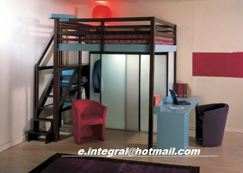 Cama alta con closet escritorio exterior escalera y entrep for Closet con escalera