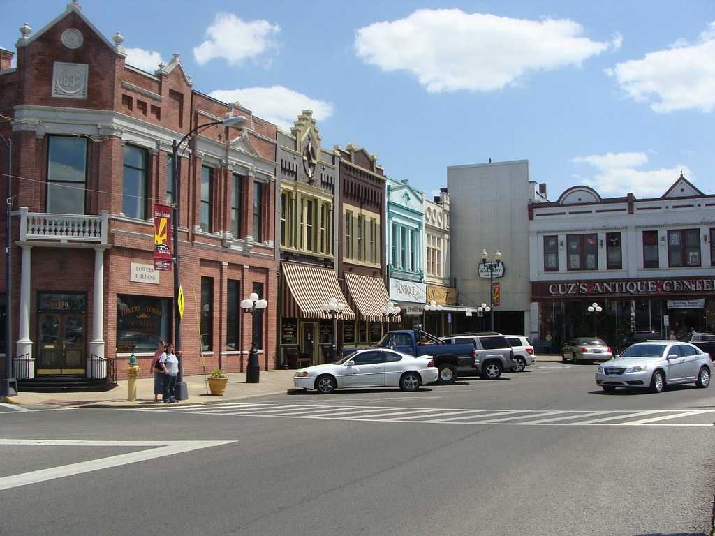 Image gallery lebanon tn for Best small towns in tennessee to live