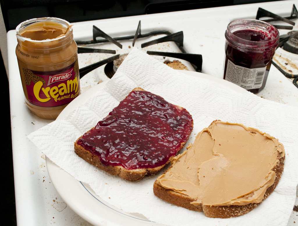different ways of making a peanut butter and jelly sandwich The peanut butter and jelly sandwich (affectionately called a pb&j) is a tasty american staple and makes a quick, easy lunch or snack you can have it the traditional way or you can get creative put lots of fun, tasty treats in it see making a basic sandwich to get started with your delicious .