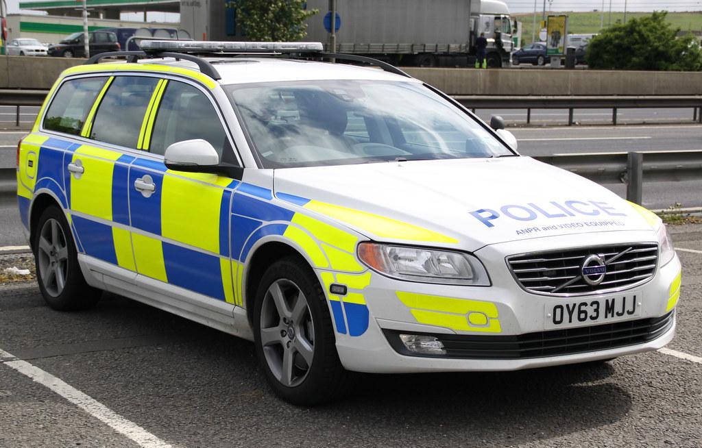 Hertfordshire & Bedfordshire Police - Volvo V70 Roads Poli…   Flickr