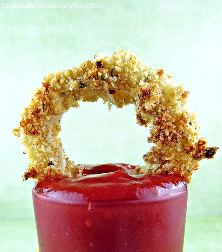Crunchy Baked Onion Rings with Chipotle Ketchup | by CinnamonKitchn