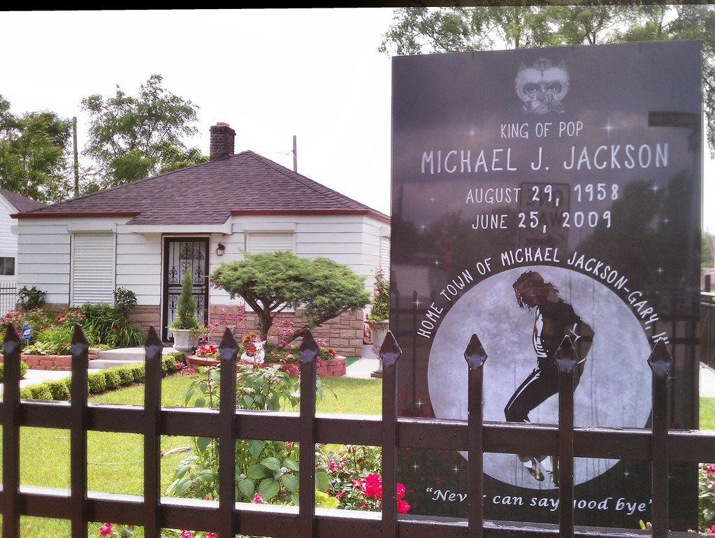 Michael jackson 39 s childhood home in gary indiana photo t for Jackson 5 mural gary indiana