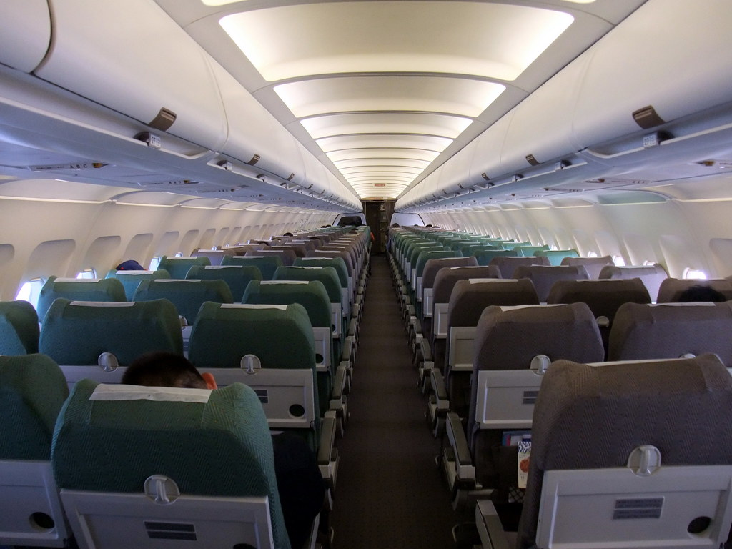 Inside ANA All Nippon Airways Airbus A320 CTS-NRT NH2154 ...