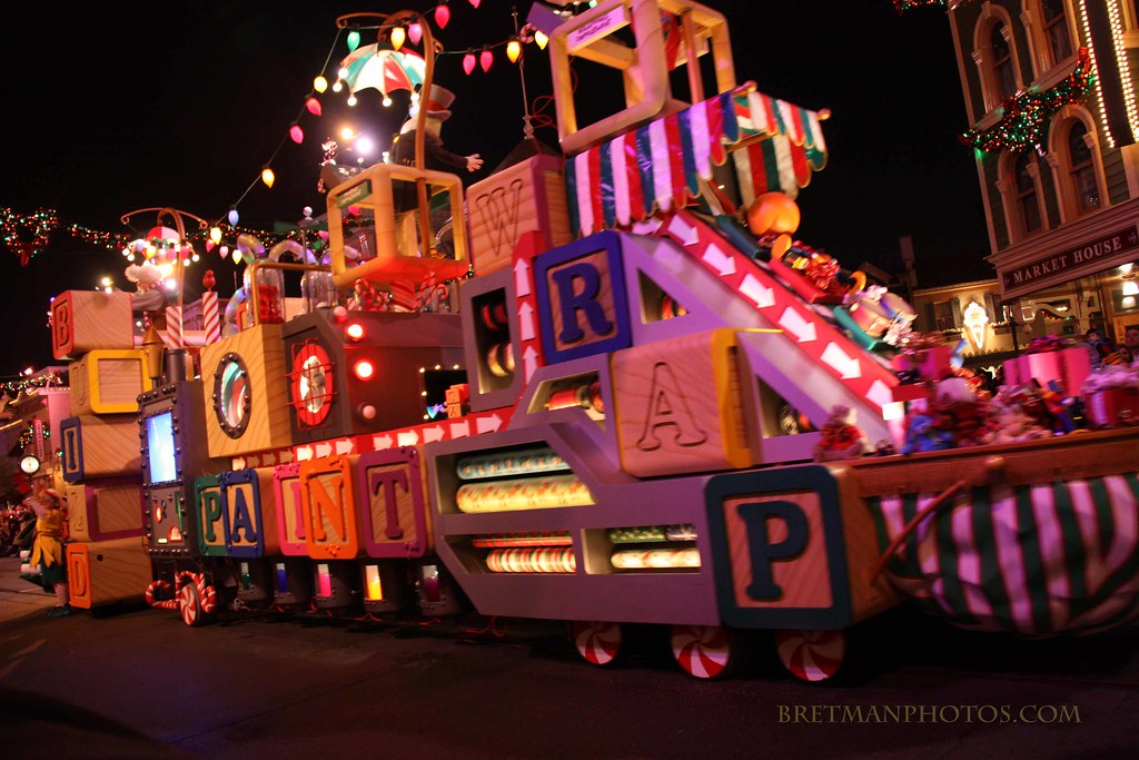 Disneyland S Quot A Christmas Fantasy Toy Factory Float Flickr