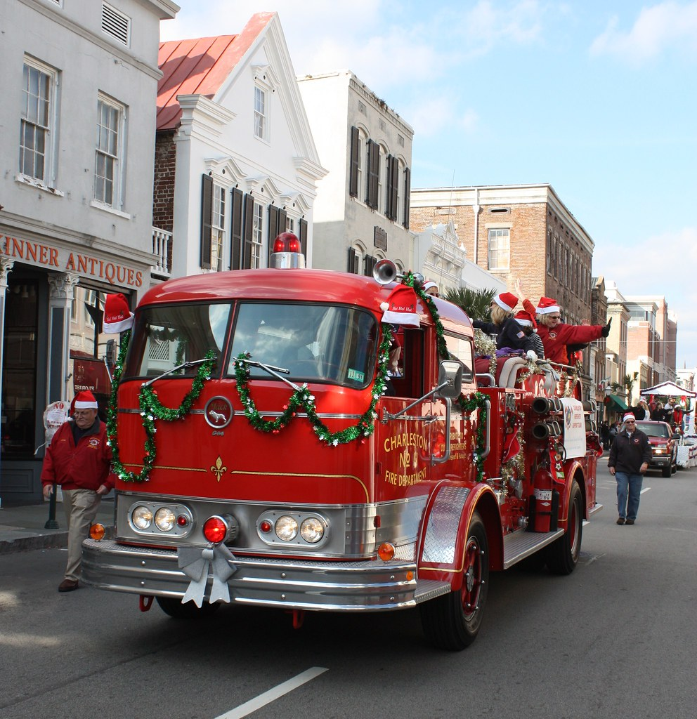 charleston fire department essay Charleston super sofa fire charles rigsbee durham tech, community college introduction on june 18, 2007, the city of charleston's fire department lost nine of their firefighters, when they became trapped fighting a fire inside of the sofa super store.
