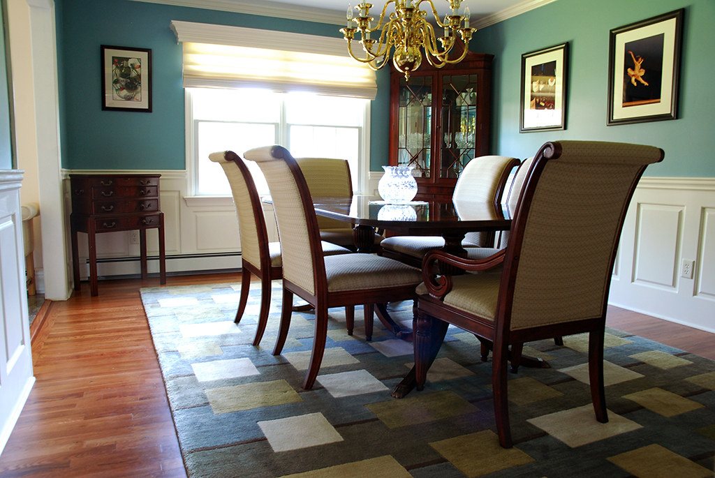 Raised panel wainscoting in a dining room located in fairf for Wainscoting designs dining room