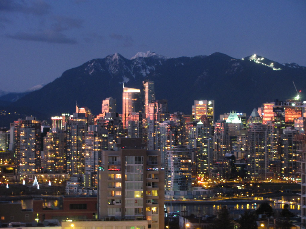Downtown Vancouver Skyline Grouse Mountain Lights At Nig Flickr