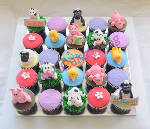 Farm theme cupcakes for Lizzy  by Its A Cake Thing (Jho)