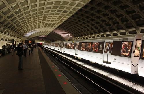 2010 04 01 - 7997 - Washington DC - L'Enfant Plaza Metro Station | by thisisbossi