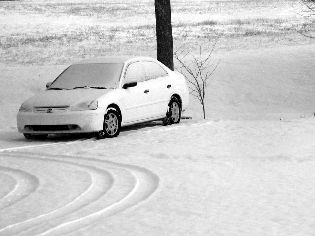 White Car In Snow Frankieleon Flickr