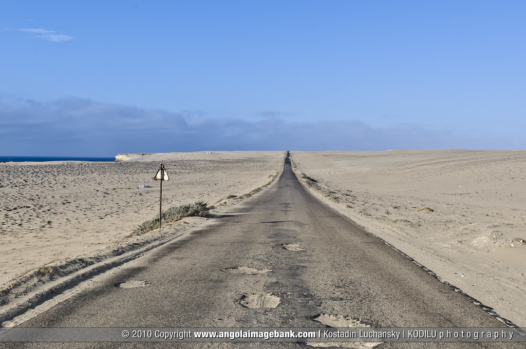 The Road Between Tombua  Porto Alexandre  And Namibe Cross