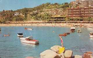 American Airlines Acapulco Mexico postcard 1950s | by hmdavid