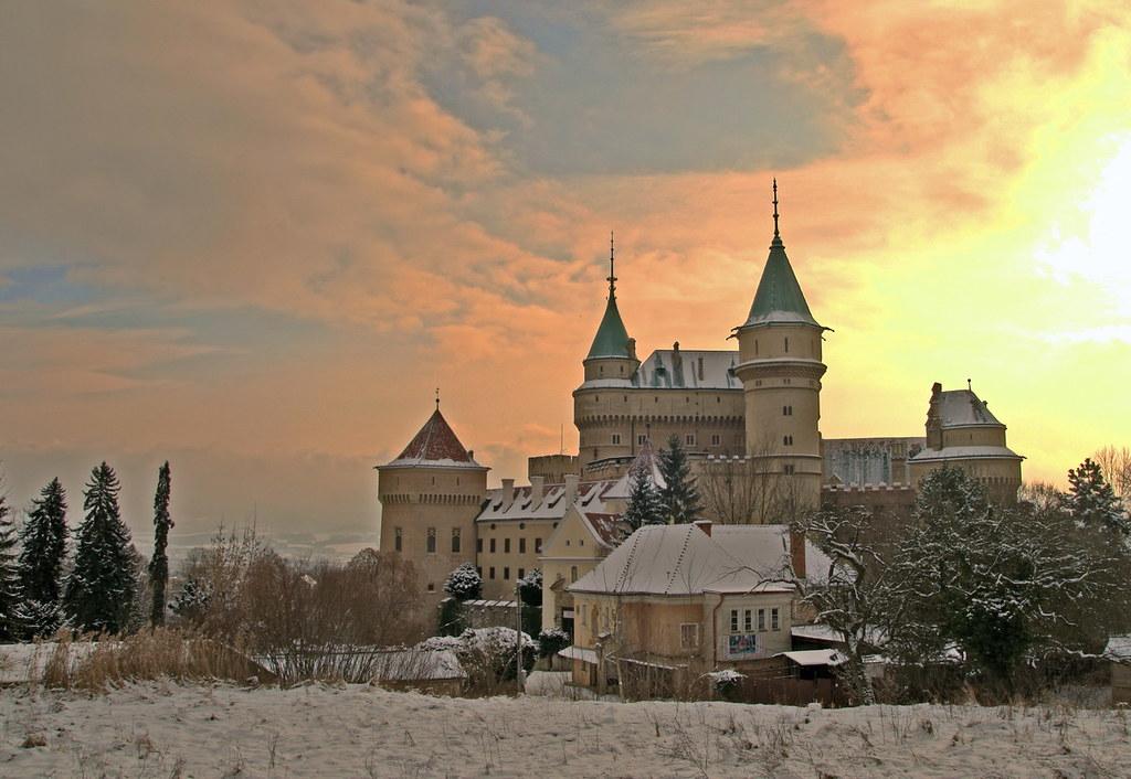 Bojnice castle winter sun hdr copyright 2011 palo for Sun castle