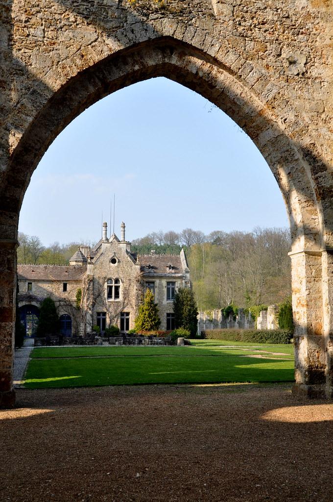 Abbaye des vaux de cernay france abbaye cistercienne for Abbaye des vaux de cernay piscine