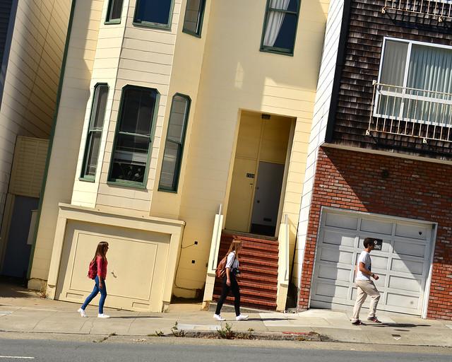 Subiendo cuestas en San Francisco, una de esas cosas obligatorias que hacer en la Costa Oeste en Estados Unidos