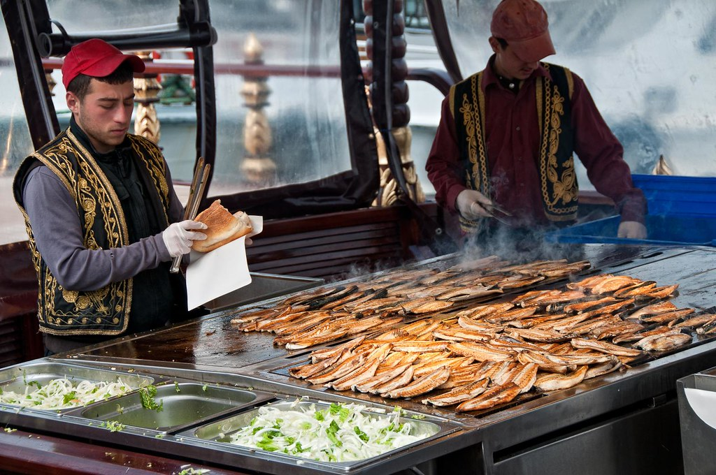 Fish Sandwich Near The Galata Bridge There S A Couple
