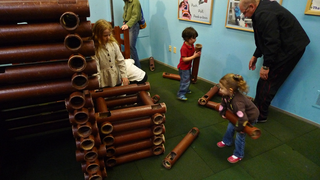Giant Lincoln Logs Julie Building With Giant Lincoln Logs Flickr