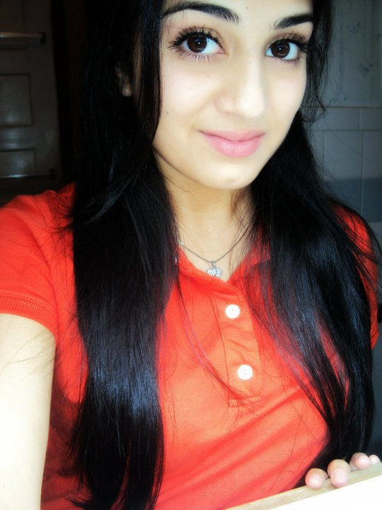Pakistani Girl With Big Beautiful Eyes  Theperson12353 -4293