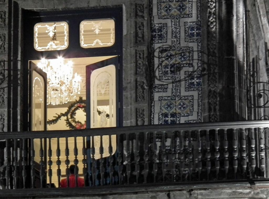 Casa de los azulejos antiguo palacio del conde del valle for Azulejos conde