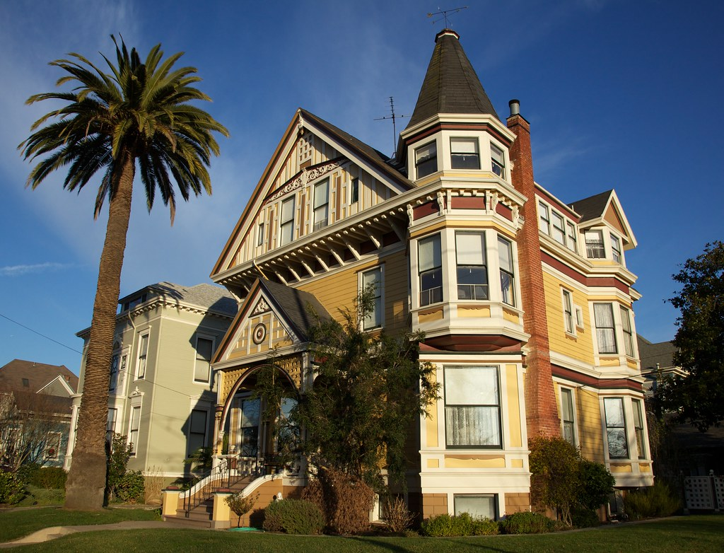 Alameda Victorian Home | This Queen Anne Victorian has 13 ...