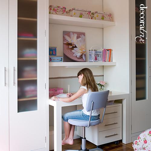 Escritorio infantil y femenino flickr photo sharing for Fotos closets para dormitorios