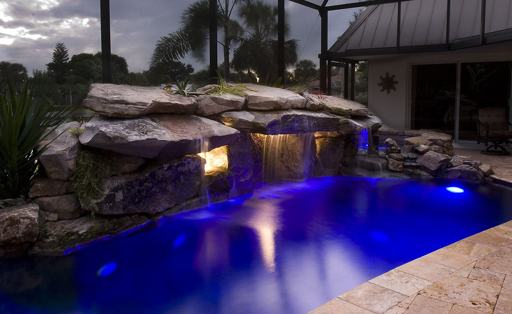 Swimming Pool With Jacuzzi Luxury