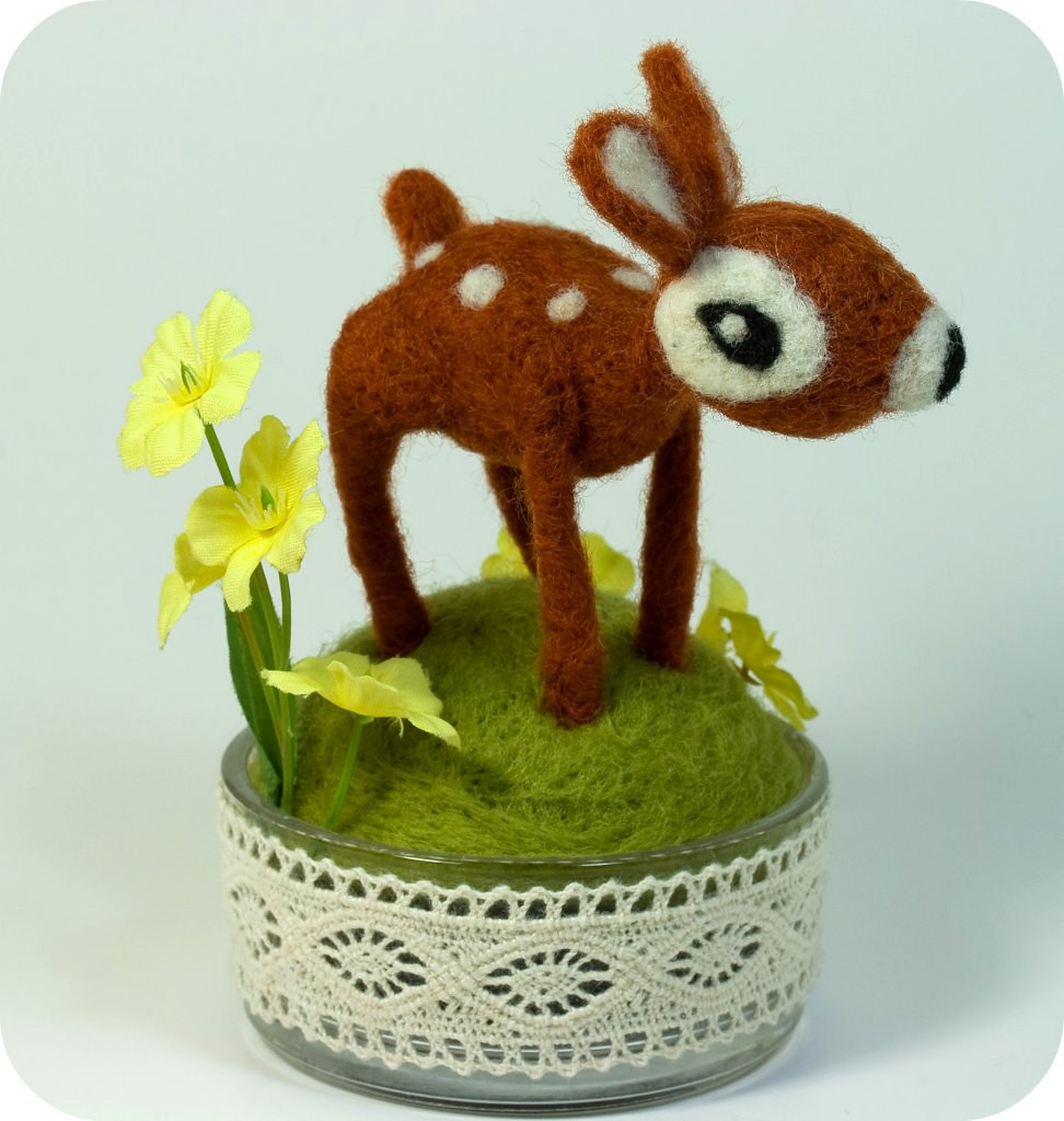 Tiny felted fawn tiny needle felted fawn blogged about - Needle felting design ideas ...