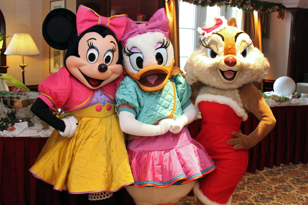 Meeting Minnie Mouse Daisy Duck And Clarice Founder S