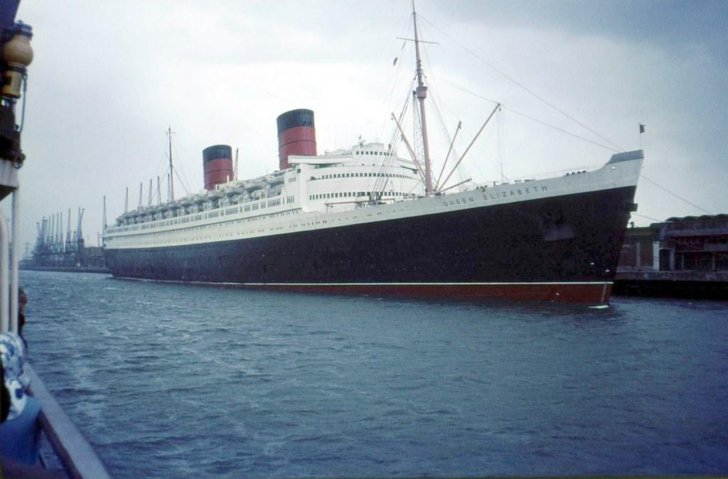 Ic Free Shipping >> RMS Queen Elizabeth, Southampton Docks 1966 | In 1966 ...