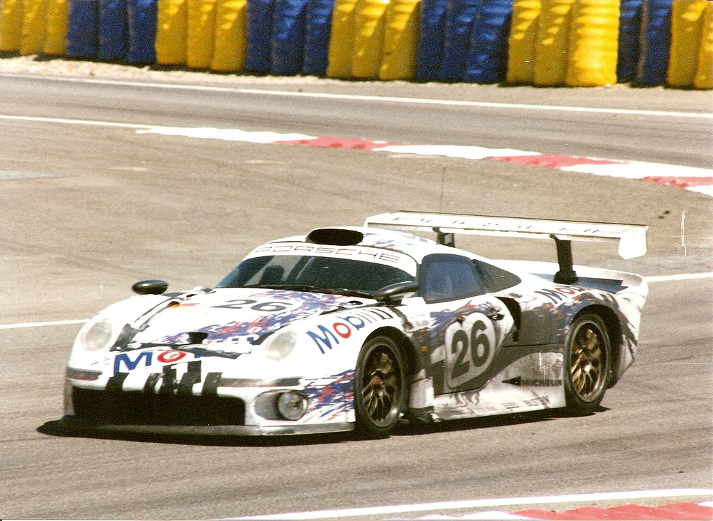 porsche 911 gt1 le mans 1996 the 26 porsche was delayed flickr. Black Bedroom Furniture Sets. Home Design Ideas