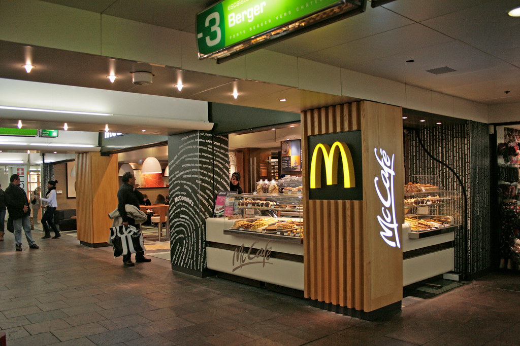 Mcdonald 39 s paris les halles france a mcdonald 39 s on level flickr - 15 rue des halles 75001 paris ...