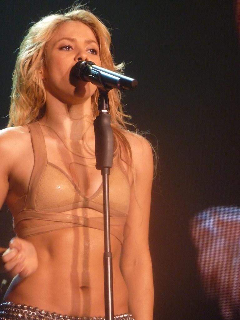 Shakira - Live Paris - 2010 | Shakira en concert à Paris Ber… | Flickr Shakira