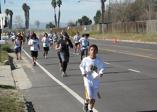 All those kids in white are HS and middle school kids training for the LA Marathon | by cindylu