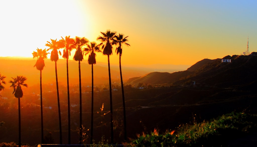 Sunset at Hollywood mountains | Click on the picture to ...  Sunset at Holly...