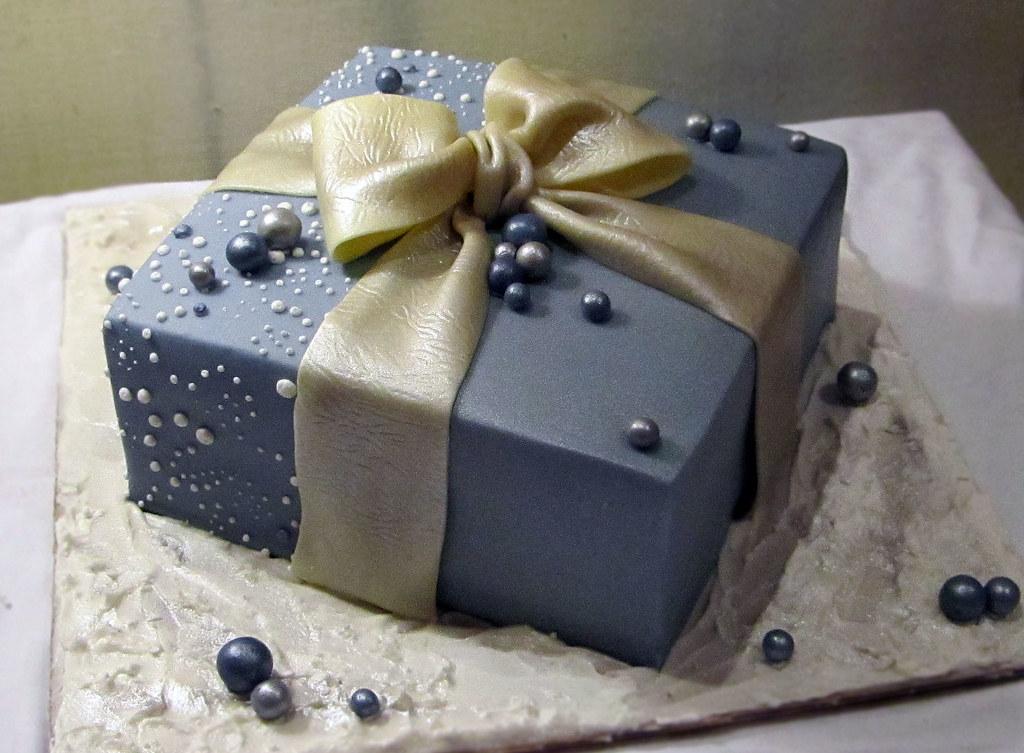 Birthday Present Cakes Photos
