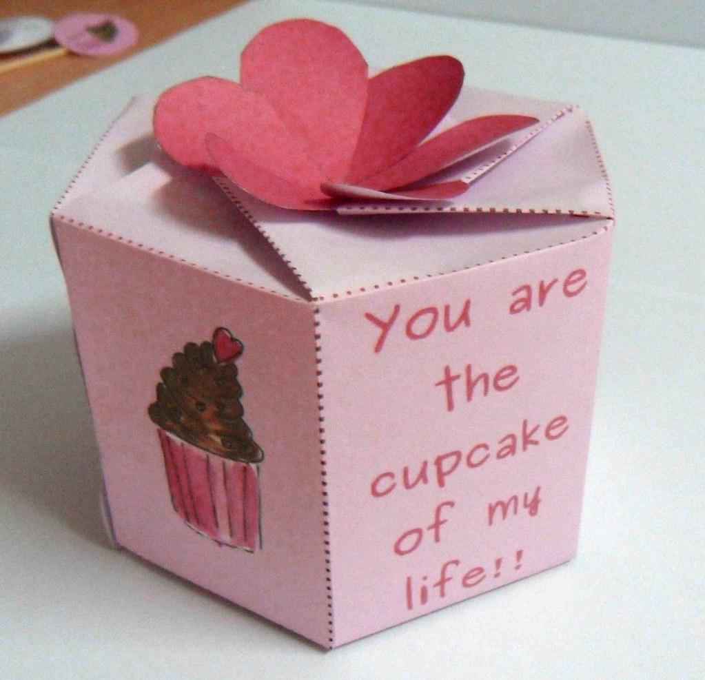 cupcake valentine printable box wwwetsycomlisting66672 flickr - Cupcake Valentine Box