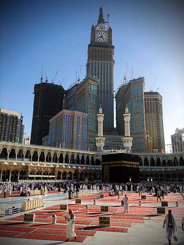 zamzam clock tower makkah the kabaa seen with the zamzam flickr. Black Bedroom Furniture Sets. Home Design Ideas