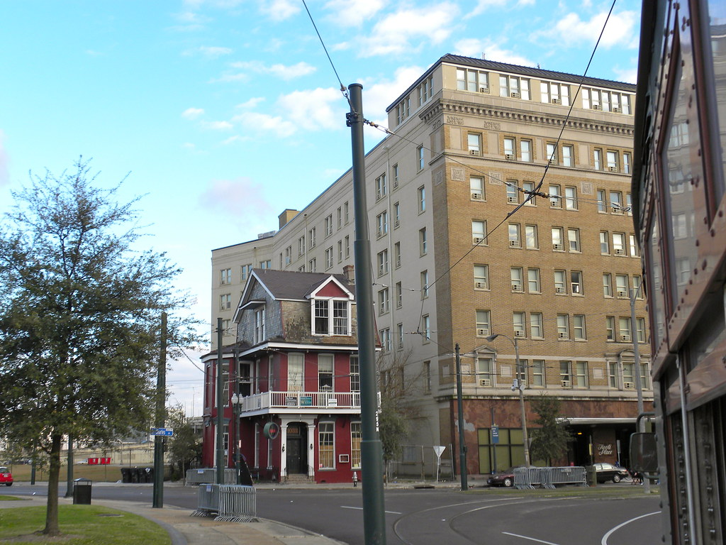 New orleans la central business district the st for Salon n 6 orleans