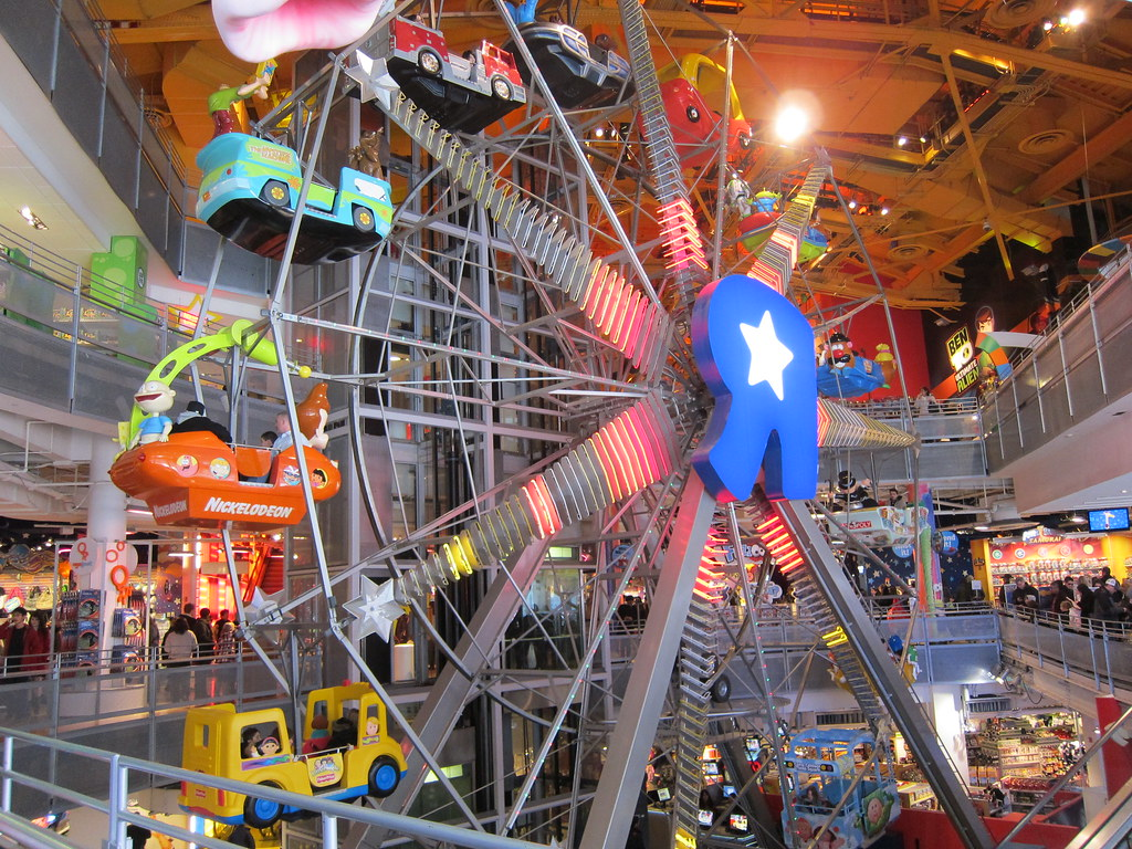 Toys r us ferris wheel dragonfly23 flickr for Cuisinette toys r us